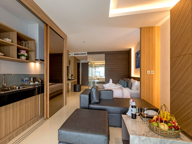 Pool & Beach Suite Accommodatation at The Kudo Hotel Patong