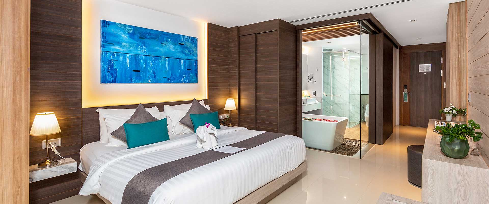 Premier Deluxe Rooms in Patong
