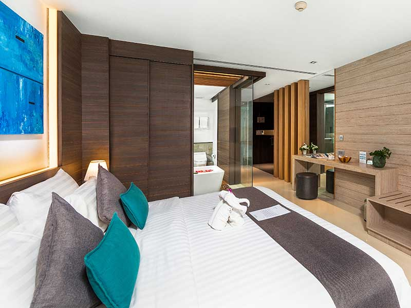 Premier Deluxe Room Accommodatation at The Bay & Beach Club Hotel Patong