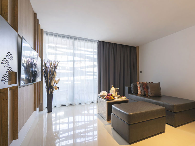 Two Bedroom Suite Accommodatation at The Bay & Beach Club Hotel Patong